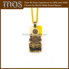 Specialized traditional jade pendant Women Fashion necklace with yellow rope