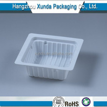 Small plastic pet food container for tofu