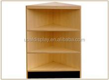 L08_Corner Fill-In Wooden Counters Cashwrap