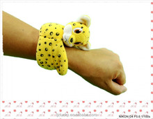 2015 Novelty Toy Wrist Toy Animals Safe Material Kids Toy