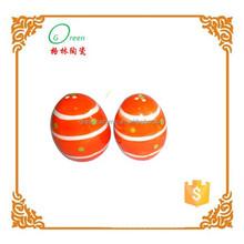 creativo in ceramica dipinta a mano a forma di uovo sale e pepe