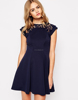 Alibaba Hot Selling Cap Sleeve Fashion Lace Neck Pleated Skater Dress
