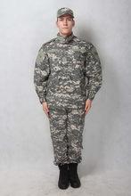 Antiguo contemporáneo promocional uniforme en el ejército uniforme