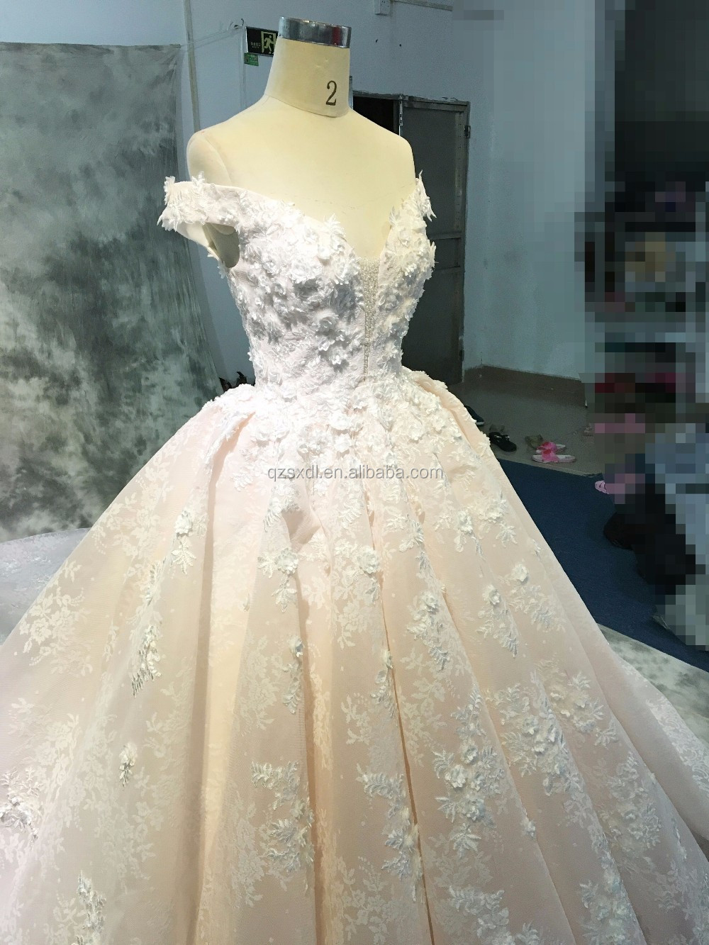 China Guangzhou Wedding Dress Luxury Bridal Gown High Quality Pink ...