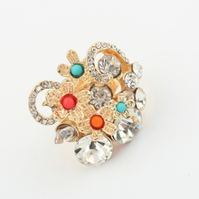 2015 new arrival product latest flower pearl gold ring designs for lady
