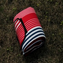 Instinct Outdoor Picnic Mat ~ A clean surface you can take everywhere IM1341