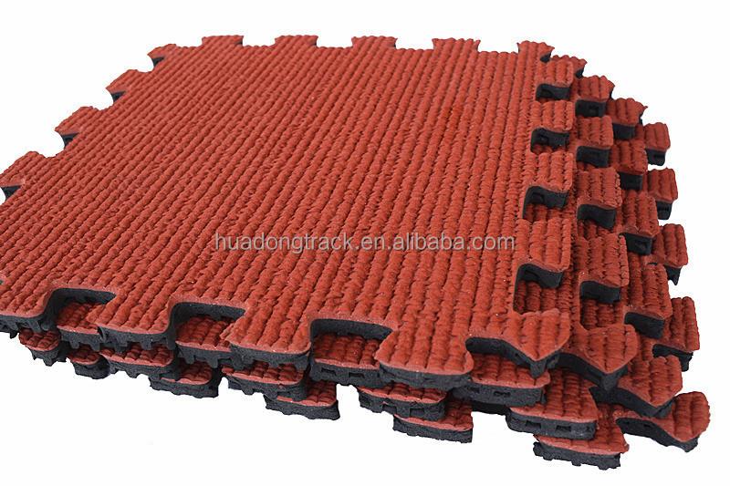 terrain de jeu pour les enfants du caoutchouc de rev tement de sol ext rieur rev tements de sol. Black Bedroom Furniture Sets. Home Design Ideas