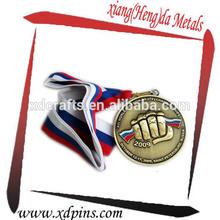 producto de antigüedades plateado el puño de la medalla de honor