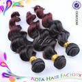 China de fábrica del pelo no enreda libremente y vertiendo raramente onda del cuerpo en dos tonos de color remy malasia del pelo humano