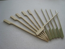 Bamboo flat skewer with green husk for BBQ with 9cm, 10cm, 12cm, 15cm, 18cm long size, food safe bamboo stick