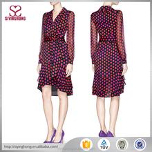 ultimo abito design dot chiffon stampato a manica lunga v scollatura molto indietro abito