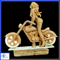 Hot sale Resin figure fashion lady Riding on the motorcycle made in china for home decor