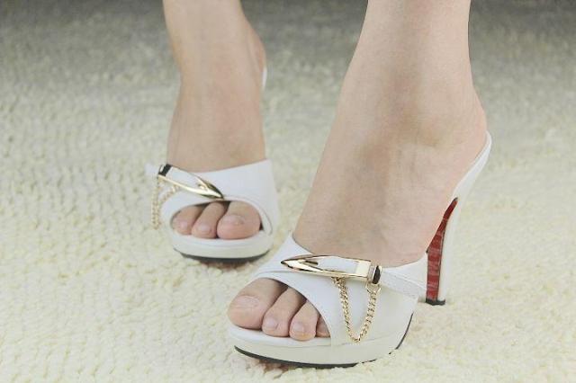 Женские сандалии  LJC726