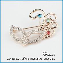 Elegant brooch design wholesale price,shine rhinestone brooch design for lady,gold brooch use for bag decor