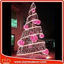2016 Competitive pvc lighted christmas tree party decoration