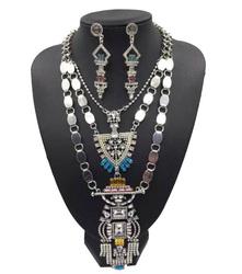 Latest hot new women fashionable jewelry Wholesale metal chunky necklace beautiful woman jewelry