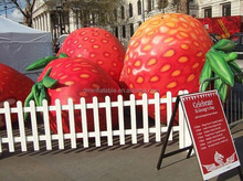 PVC inflatable fruit model for advertising, giant inflatable strawberry