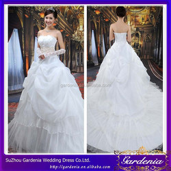 New Design White Ball Gown Strapless Beaded Top Ruffle Sleeveless Zipper Back Floor Length Wedding Dress Long Tail AC235