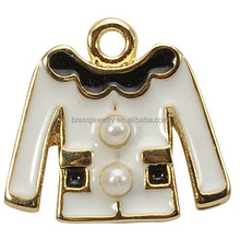 Yiwu Factory Price Alloy Material Eco-Friendly Custom Oil Dripped Clothes Jewelry Pendant