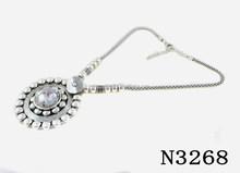 N3268 Charming Vintage Crystal Pendant Necklace