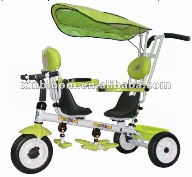 zwillinge baby dreirad f r auto mit drei r dern baby. Black Bedroom Furniture Sets. Home Design Ideas