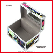 Colorful beauty cosmetic case with mirror design