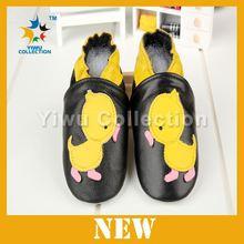 赤ちゃんのための靴、 暖かい冬の革のベビー非- スリップシューズ、 女の子のゴム靴
