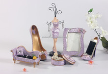 2015 hot sale model Resin jewelry hanging display rack craft, jewelry holder