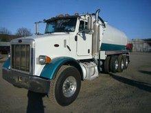 2005 Peterbilt 357 Tri Axle Vac Truck (TRO0326121)