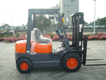 China factory forklift price 2T mini Diesel Forklift Truck FD20 for sale