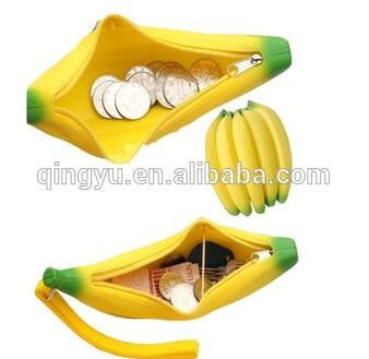 silicone banana coin purse.jpg
