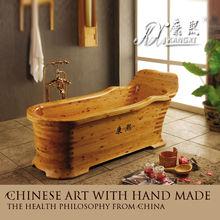 Cedro tina de agua caliente en venta al por mayor y la cola, antiguo cuarto de baño bañera de madera