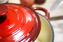 hot sale high quality red enamel/porcelain/ cast iron casserole/dutch oven /cookware