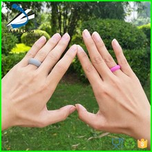Beautiful silicone womens wedding ring