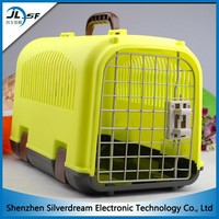 Factory wholesale dog cage plastic, comfortable and safe dog pet carrier for air transport