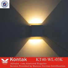2015 hot selling product led wall mounted lighting black/white available