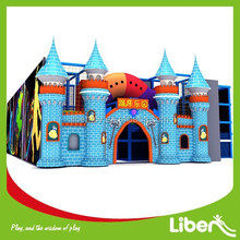 Castle Theme Designers Indoor Trampoline Court with Basketball Hoop