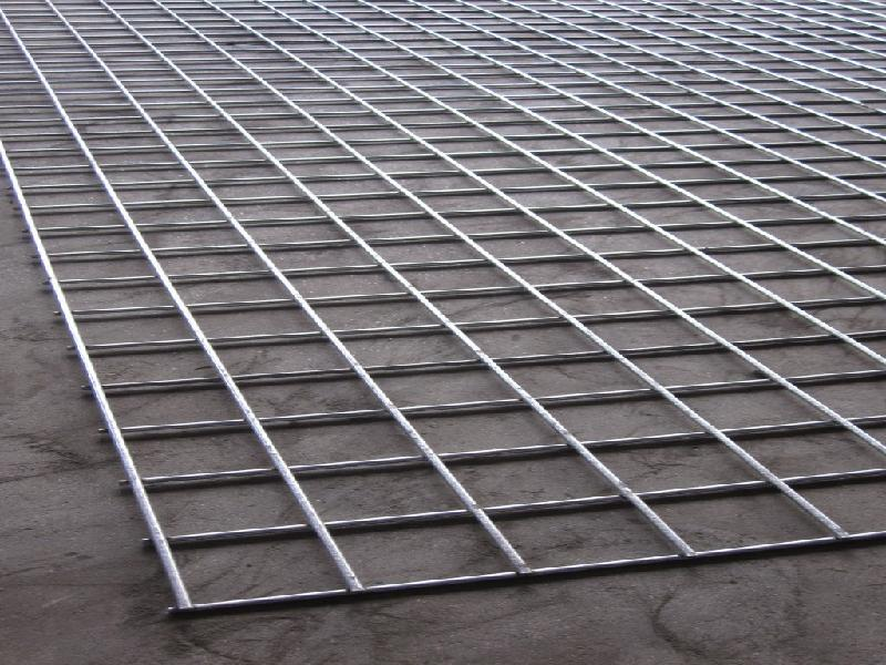 Wholesale black galvanized welded wire fence mesh panel