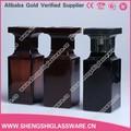 Venta al por mayor 50 ml gris / negro color de cristal botella de perfume con tapa, botella cristal del perfume para hombre