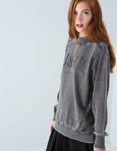 design de mode style de haute cheminée réminiscence des femmes pull col