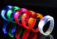 2015 novelty wholesale led flashing bracelet, sound activated led bracelet, led running bracelet
