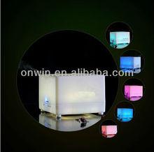 Ultrasonidos 700ml llevó la luz de la lámpara 7 colores cambiantes, aromaterapia humidificador de aire