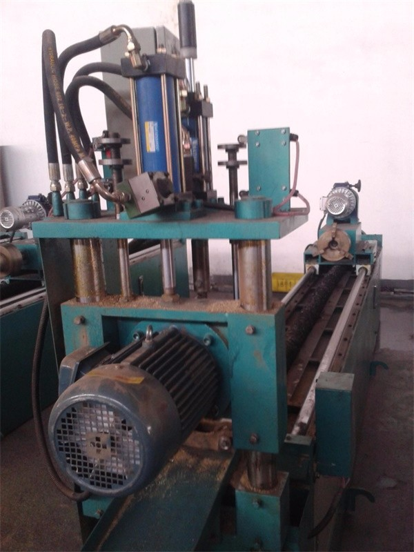 Pipe cutting machine2A.jpg