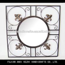 antiguos de hierro forjado negro de la decoración de la pared