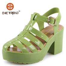 2015 Nuevo diseño sandalias tacones duros artículos clásicos gelatina baratos pvc señoritas sandalias plástico zapatos mujer