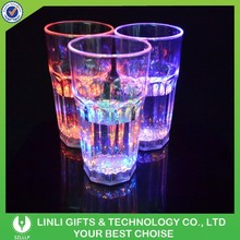 2015 New Design Popular Flash Light LED Plastic Beer Mug