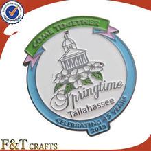 Custom metal logo badge soft enamel color paint arts and crafts