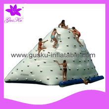2015 Gus-LT-106 wholesale summer inflatable ship for swimming