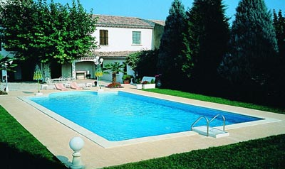 Pr fabriqu e structure en acier piscine piscines for Piscine prefabriquee