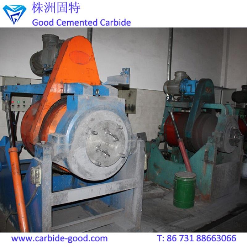 ball milling powder.jpg